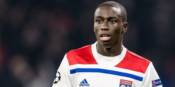 D84k0hGWkAESszf - ريال مدريد يتعاقد مع اللاعب الفرنسي ميندي مقابل 48 مليون يورو