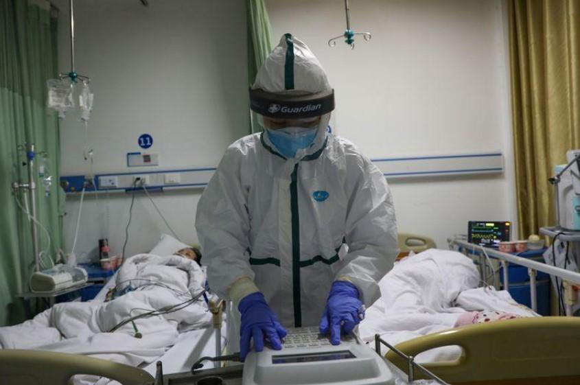 الصين تعلن إصابة 1716 من العاملين في قطاع الصحة بفيروس كورونا - الصحة توضح حقيقة تهريب لقاح كورونا خارج الكويت