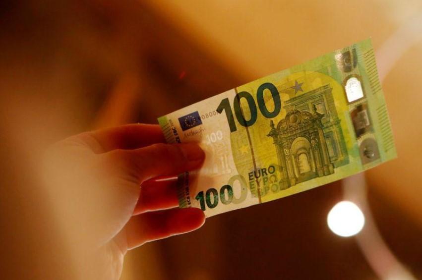 ورقة نقدية فئة 100 يورو - اليورو يرتفع بفضل اقتراح صندوق أوروبي والدولار ينزل