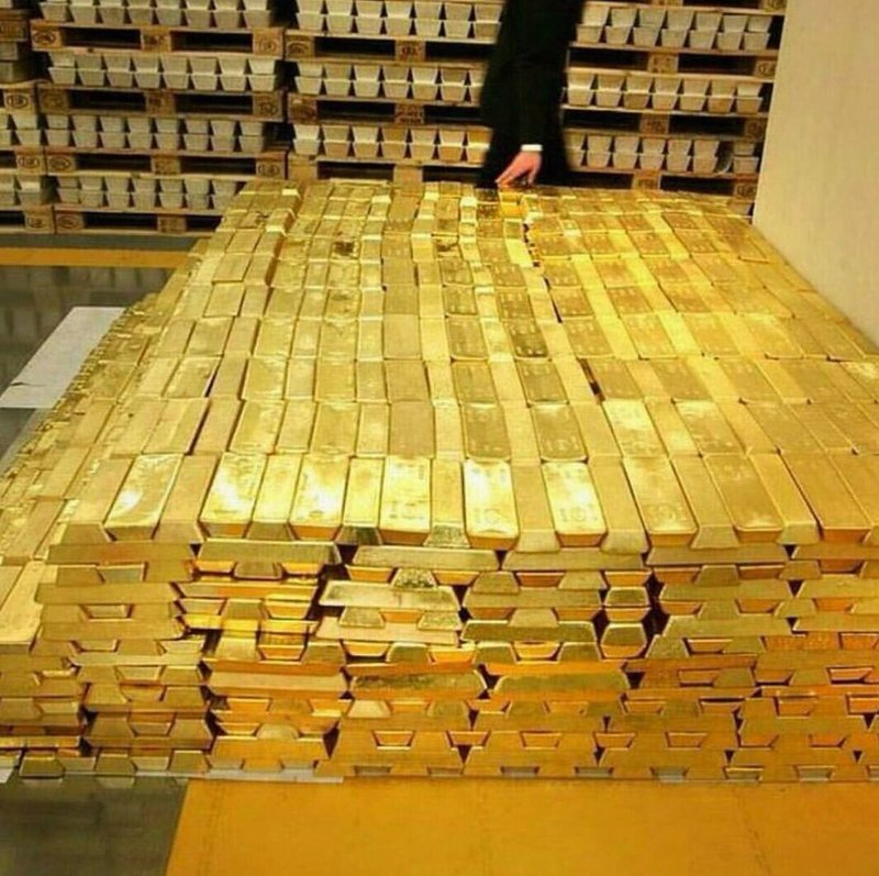 5f47f501bfbf9 - صعود الدولار يهوي بأسعار الذهب