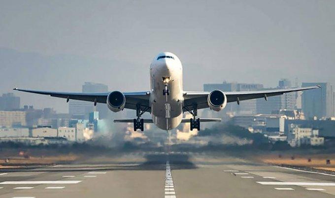 EllDCbbXYAIGign - وفاة وافد قبل إقلاع طائرة تقله إلى موطنه بـ30 دقيقة.    #العبدلى_نيوز