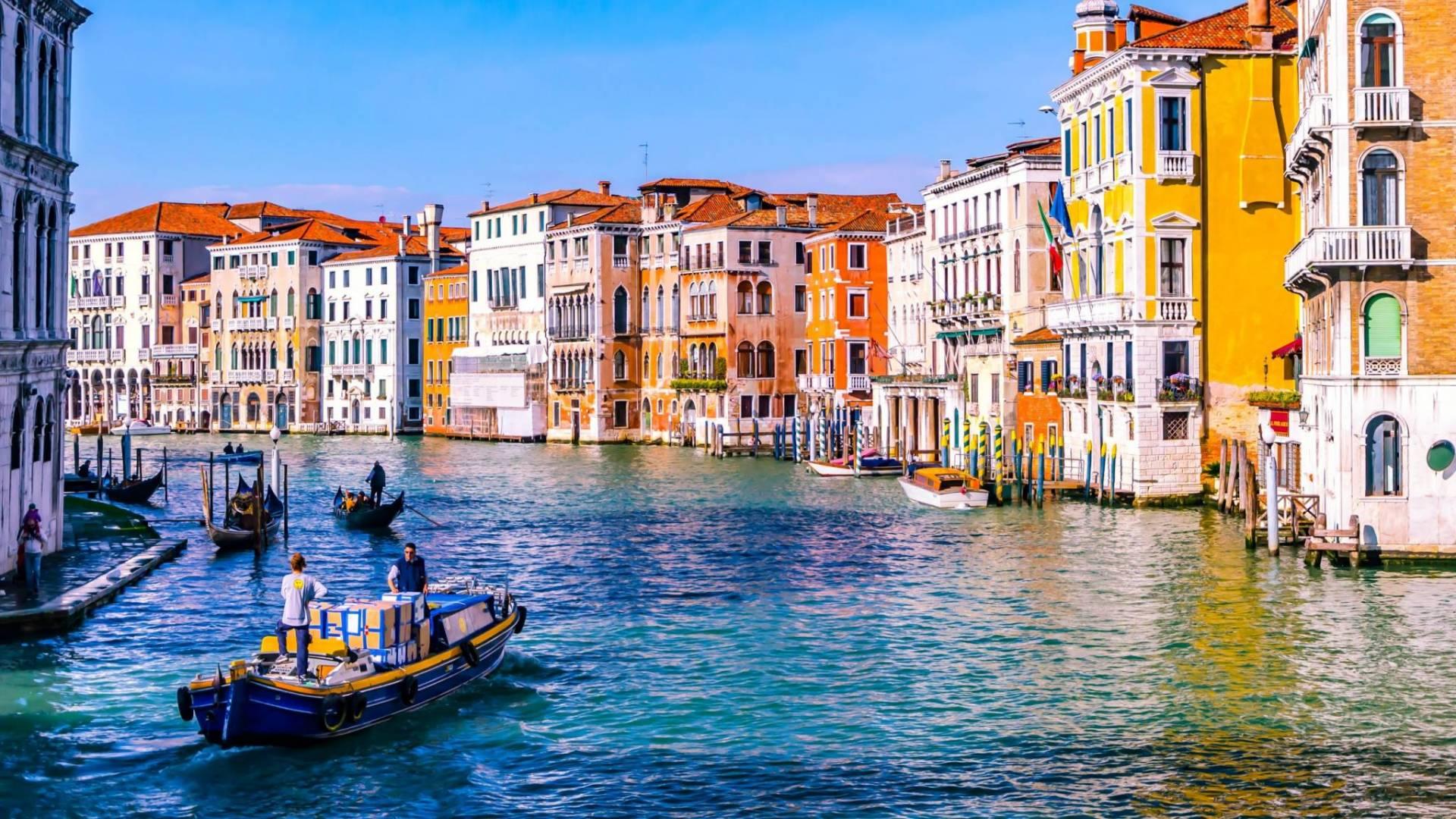 ٢٠٢٠١١٢١ ١٧٥٧٢٧ - البندقية تؤجل تطبيق رسم الدخول على السياح بسبب الجائحة.    #العبدلي_نيوز