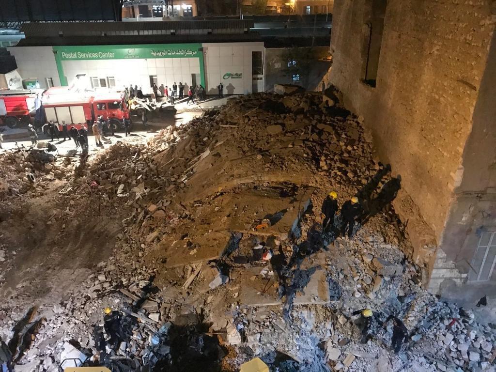 ٢٠٢٠١٢٠٤ ١٨١٠١٩ - انتشال الجثة السادسة للعقار المنهار وسط الإسكندرية.      #العبدلي_نيوز