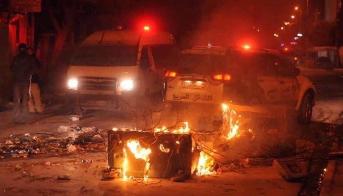 ٢٠٢١٠١٢١ ٠٩١٦٢٦ - وزير الدفاع التونسي: عناصر إرهابية تسعى لاستغلال الاحتجاجات لتنفيذ هجمات.      #العبدلي_نيوز