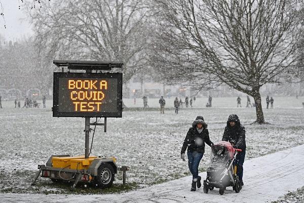٢٠٢١٠١٢٤ ١٨١٤٤٥ - الثلوج تكسو العاصمة البريطانية لندن في مشهدٍ نادر.     #العبدلي_نيوز