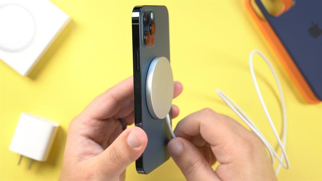 6a127679 f94a 49af 86cc 04d52b93957a - آبل توضح تأثير MagSafe في الأجهزة الطبية