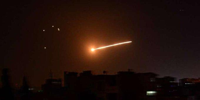 AXgwda66 - التلفزيون السعودي: التحالف اعترض ودمر طائرة مسيرة أطلقها الحوثيون باتجاه المملكة