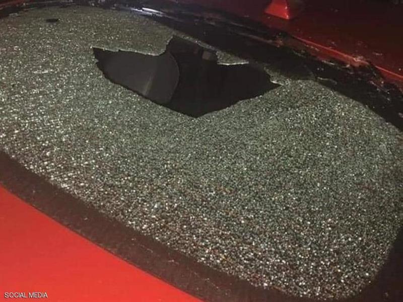 366ea1ae 74d1 414b baf9 ea2e5c1ef708 - فتاة تحطم زجاج 15 سيارة في إربد بالأردن