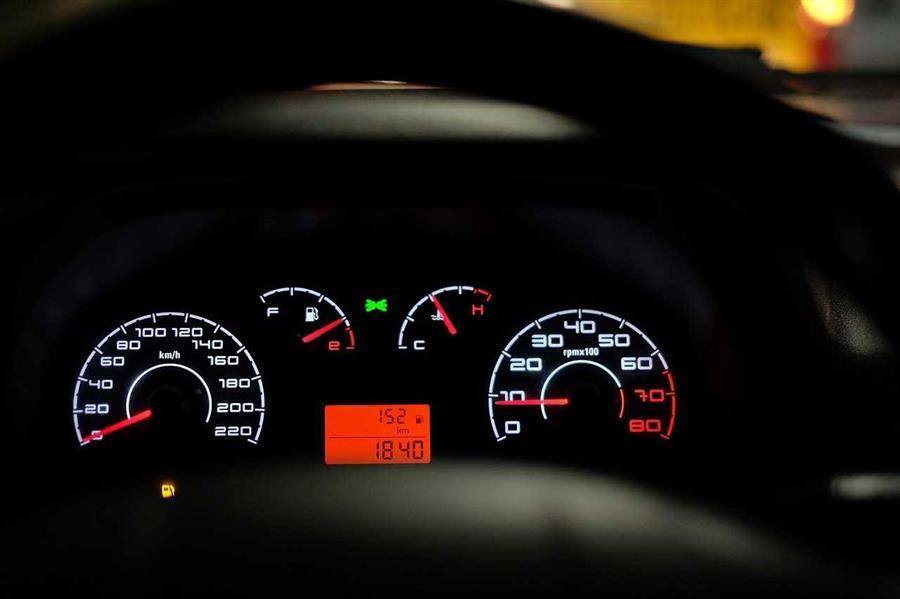 40597b34 fcc5 44e6 83cb 0f16988c8609 - تعرف على ما تعنيه أضواء رموز لوحة قيادة السيارة.. ومتى تحتاج إلى مراجعة الصيانة؟