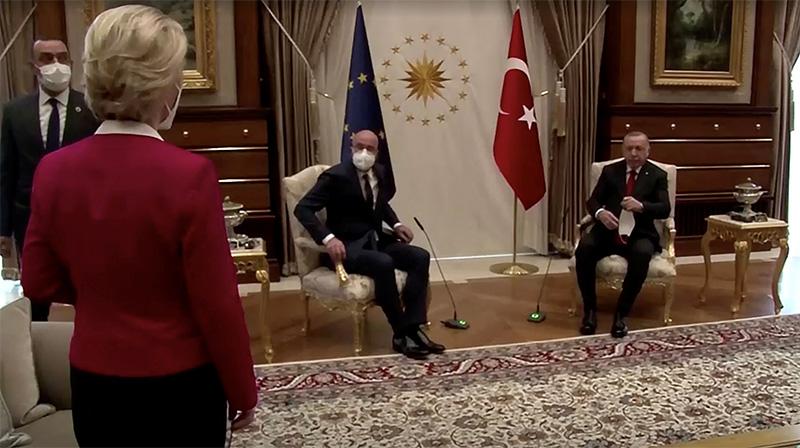 ٢٠٢١٠٤٠٨ ١٣٤٦١٢ - تركيا تحمّل الاتحاد الأوروبي مسؤولية الحادث البروتوكولي مع رئيسة المفوضية  - ترتيب المقاعد موضع الجدل اقترحه الجانب الأوروبي.   #العبدلي_نيوز