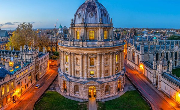"""٢٠٢١٠٤٢٠ ١٨٠٦٠٦ - جامعة """"أوكسفورد"""" تبدأ تجارب على مرضي سابقين بكورونا لفحص الاستجابة المناعية.  #العبدلي_نيوز"""
