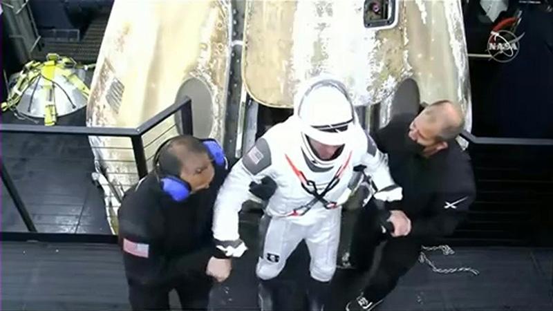 """٢٠٢١٠٥٠٣ ١٥١٦٠٧ - عودة أربعة رواد من محطة الفضاء الدولية في مركبة لـ""""سبايس إكس"""".  #العبدلي_نيوز"""