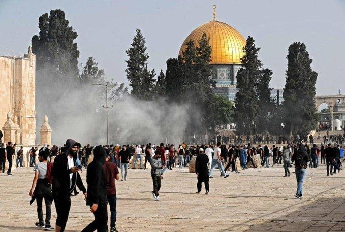 111111 - #فلسطين: أكثر من 180 إصابة خلال مواجهات مع قوات الاحتلال في #المسجد_الأقصى ومحيط البلدة القديمة                   #القدس_تنتفض                 #القدس            #العبدلي_نيوز