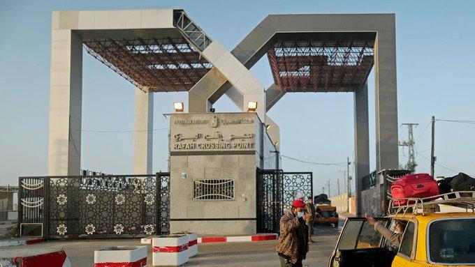 E1g5yBBXoAE H7L - مصر تفتح معبر رفح قبل الموعد بيوم لاستقبال المرضى والمصابين من قطاع غزة.         #العبدلي_نيوز