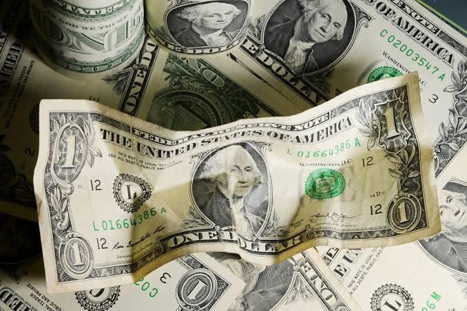 E2U66wdWEAIvgat - الدولار يتعافى من أدنى مستوياته في 4 أشهر أمام العملات الرئيسية.      #العبدلي_نيوز