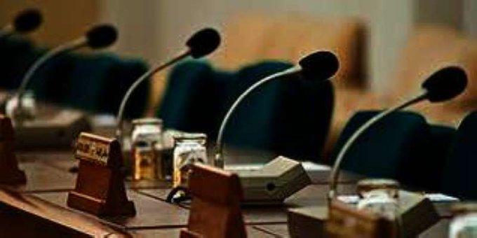 E2ssO5CXIAAx2ih - «التشريعية البرلمانية» تناقش اليوم تنظيم مهنة المحاماة وتخصيص قسائم سكنية للورثة.       #العبدلي_نيوز