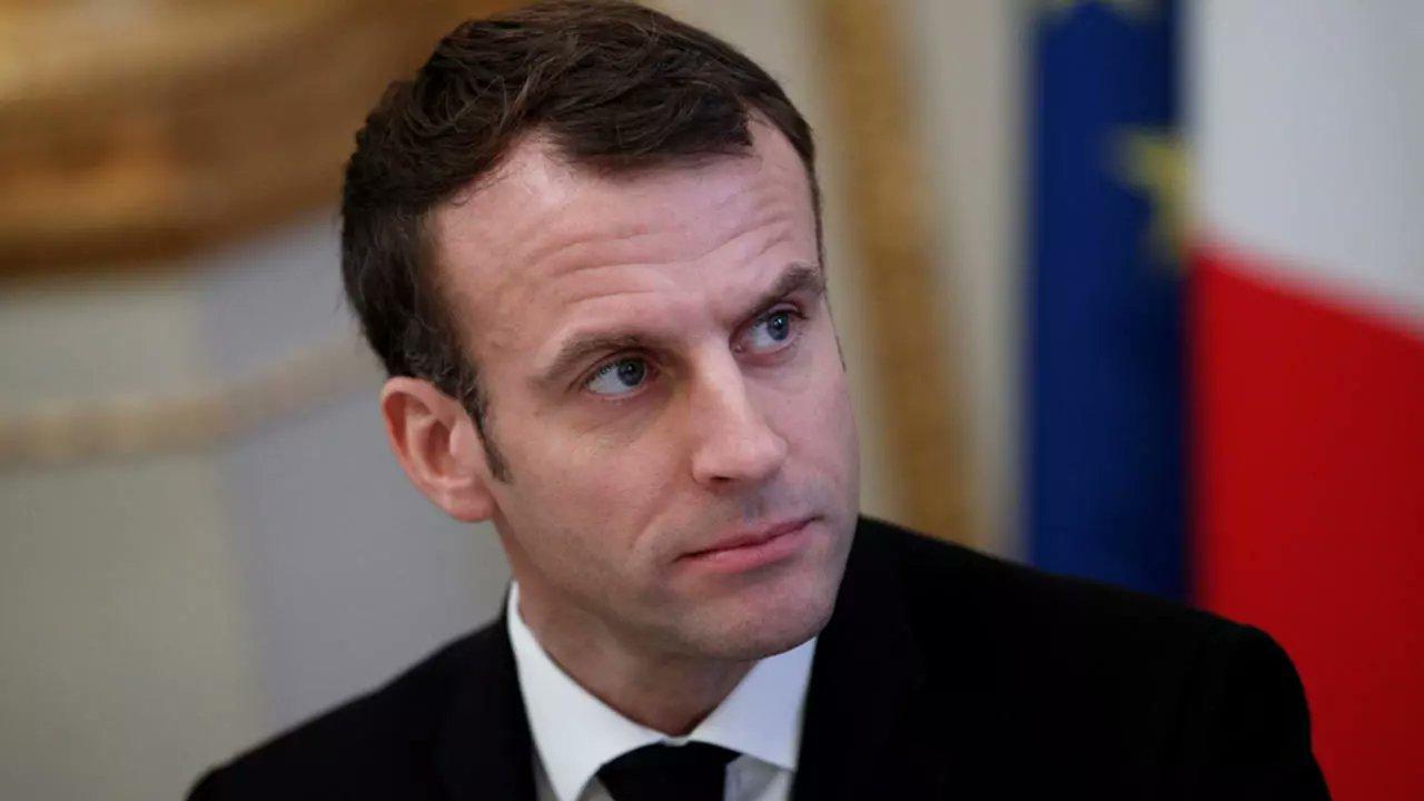 ٢٠٢١٠٦٠٨ ١٥٥٤٥٤ - #فرنسي غاضب يوجّه #صفعة للرئيس #ماكرون.    #العبدلي_نيوز