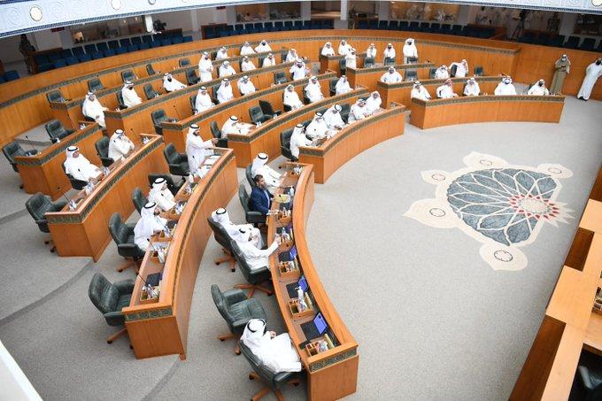 E4eNVPfWYAA nr6 - سجال طويل بين رئيس المجلس وحسن جوهر حول المخالفات الدستورية.     #العبدلي_نيوز