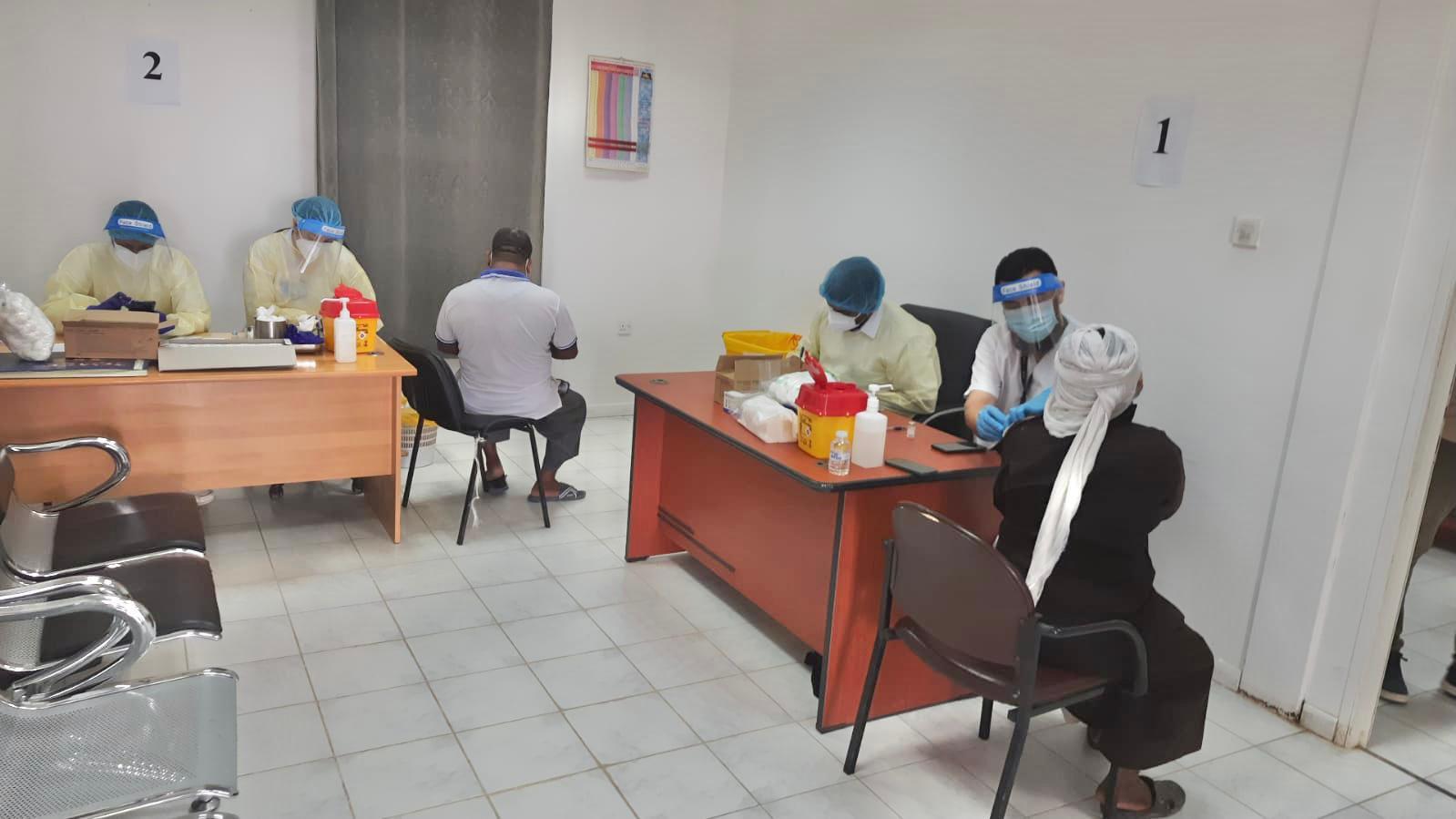 ٢٠٢١٠٧٢١ ١٥٥٦٤٤ - #الصحة: بدء تطعيم العاملين في مزارع العبدلي والوفرة عبر جهود حملة التطعيمات الميدانية على فترتين صباحية ومسائية اليوم.   #العبدلي_نيوز