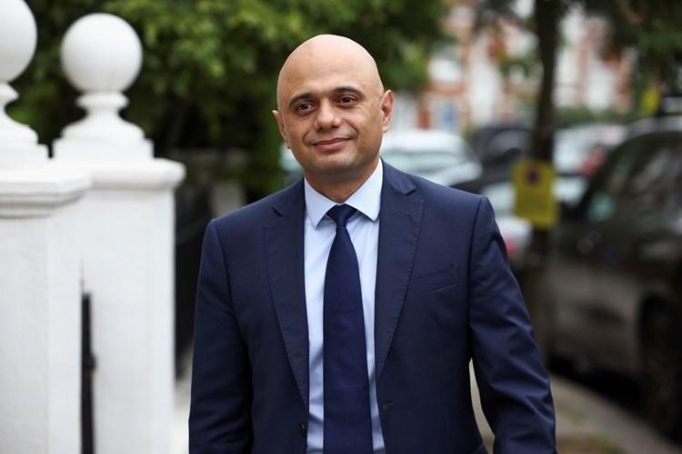 ٢٠٢١٠٧٢٥ ١٢٢٠٤٧ - انتقادات ل#وزير_الصحة_البريطاني بعد أن طالب الناس بعدم الارتعاد خوفاً من #كورونا.   #العبدلي_نيوز