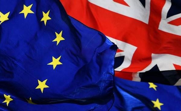 ٢٠٢١٠٩١٨ ١٢٠٤٥٧ - ملايين من مواطني #الاتحاد_الأوروبي يطلبون الاستقرار في #بريطانيا بعد غلق الحدود.   #العبدلي_نيوز