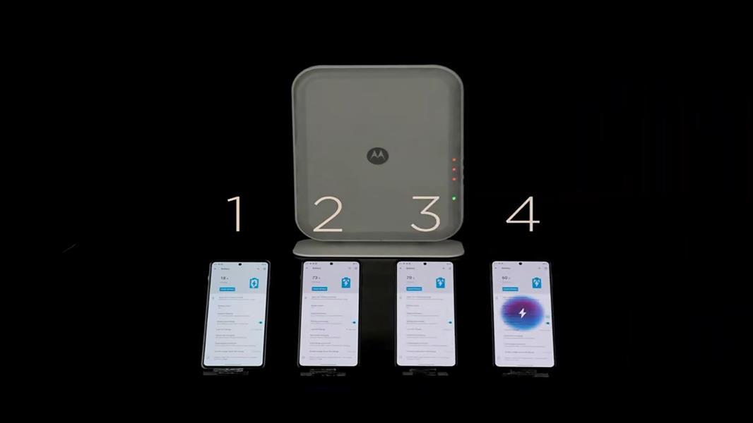 """7e5d1a63 be6b 42ca 8111 7635e1157c52 - يغذي 4 أجهزة بوقت واحد.. """"موتورولا"""" تنتج شاحنًا لاسلكيًا للهواتف الذكية (فيديو)"""