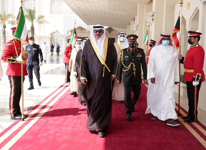 E jXfUmXEAEvPho - ممثل سمو الأمير يغادر إلى #نيويورك لترؤس وفد #الكويت في اجتماعات الجمعية العامة للأمم المتحدة.           #العبدلي_نيوز