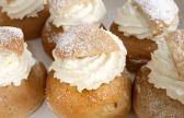 """الحلوى التي قتلت الملك، تعرفوا على طريقة تحضير """"السيملا"""" أشهر الحلويات السويدية التقليدية"""