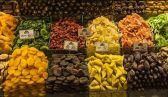 الخبراء يحذرون… 10 أطعمة لا يجب تناولها في أوقات محددة