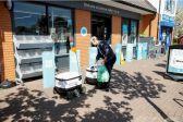 روبوتات تشتري المستلزمات لسكان مدينة إنجليزية في ظل العزل العام