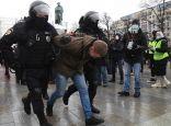 الشرطة الروسية تعتقل محتجين في موسكو وسان بطرسبورغ.     #العبدلي_نيوز