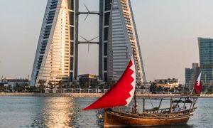 """#البحرين تتسلم أول شحنة من لقاح """"أسترا زينيكا-أوكسفورد"""" المضاد لـ""""كورونا"""".    #العبدلي_نيوز"""