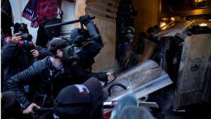 #اقتحام_الكابيتول: مسؤولو الأمن في مقر البرلمان الأمريكي يدلون بشهاداتهم عن أحداث الشغب.   #العبدلي_نيوز