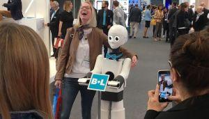 هل يمكن الوقوع في حب روبوت؟…سؤال يطرحه فيلم في مهرجان برليناله.   #العبدلي_نيوز