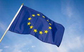 فايزر وبيونتك توفران 100 مليون جرعة إضافية من لقاح كورونا للاتحاد الأوروبي في 2021.  #العبدلي_نيوز