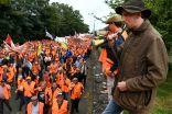 آلاف الصيادين في #فرنسا يحتجون على حظر صيد الطيور.   #العبدلي_نيوز