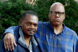بعد سجنهما ظلما 31 عاما.. أمريكيان يحصلان على تعويض قدره 84 مليون دولار