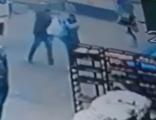 جريمة مروعة في مصر.. زوج يقتـل زوجته طعناً أمام المارة بسبب قضية خلع