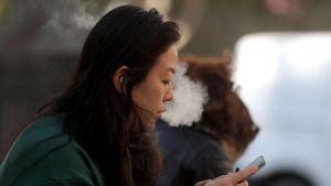 السجائر الإلكترونية: هيئة الغذاء والدواء الأمريكية تصرح باستخدامها لأول مرة #العبدلي_نيوز