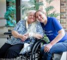كورونا يتسبب في لم شمل شقيقتين بعد 50 عاماً