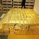صعود الدولار يهوي بأسعار الذهب
