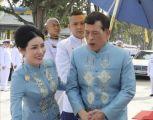ملك تايلاند يفاجئ عشيقته الحسناء بقرار ملكي لأول مرة يحدث في تاريخ بلاده
