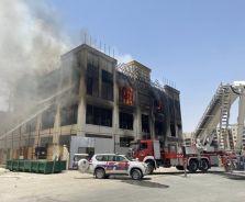 الإطفاء: حالتا وفاة جراء حريق مجمع تجاري في #الجهراء.           #الكويت.        #العبدلي_نيوز