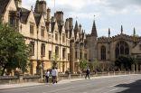"""جامعتا """"#أوكسفورد"""" و""""#كمبريدج"""" تفقدان المركز الأول في تصنيفات #الجامعات_البريطانية.           #العبدلي_نيوز"""