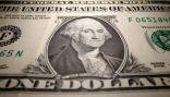 الدولار ينخفض إلى أقل مستوى في شهر