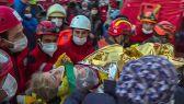 إنقاذ طفلة بعد 65 ساعة على زلزال إزمير التركية.      # العبدلى_نيوز