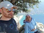 زوج يلتقط سيلفي لزوجته الحامل ثم يدفعها من قمة الجبل لهذا السبب