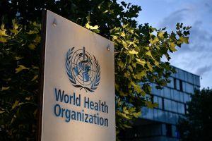 """""""الصحة العالمية"""" توضح حقيقة اندماج """"كورونا"""" مع إنفلونزا الطيور.. وهل ينقل مُتلقو اللقاح الفيروس"""